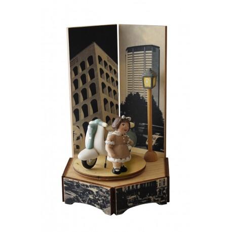carillon bimba bambina, per nascita, battesimo, compleanno, lambretta moto, legno e ceramica