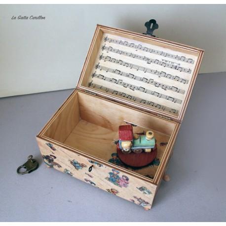 Carillon portagioie a bauletto con giocattolo girevole: trenino. Carillon artigianale per neonati e bambini. Idea regalo per nas