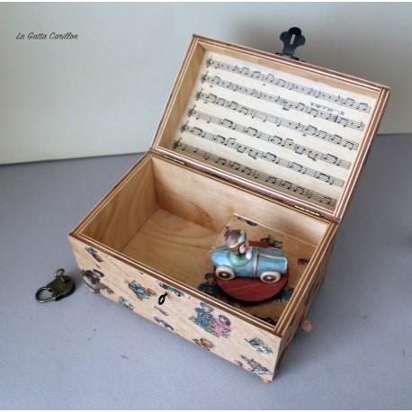 Carillon portagioie a bauletto con giocattolo girevole: macchinine. Carillon artigianale per neonati e bambini. Idea regalo per