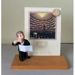 PORTA FOTO da collezione in ceramica. Raffigurante un flautista musicista