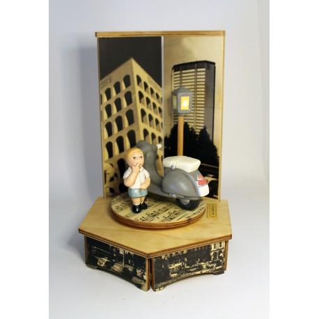 carillon bimbo bambino, per nascita, battesimo, compleanno, vespa legno e ceramica