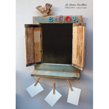 SPECCHIO da collezione in legno realizzato con materiali 100% riciclati